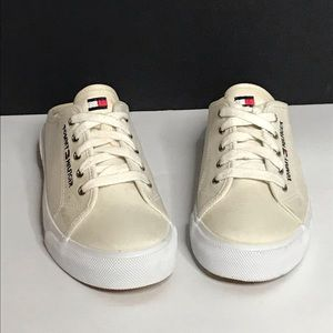 Tommy Hilfiger sneakers size 6.5 M